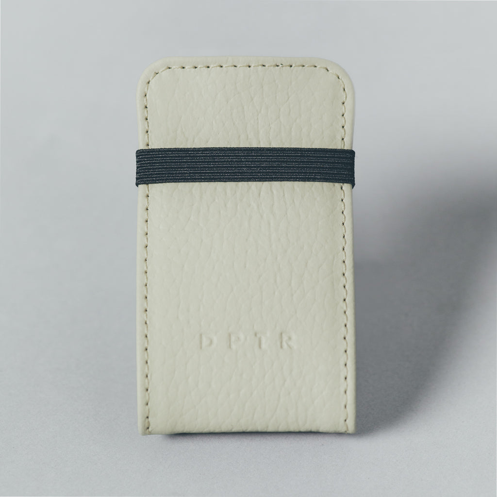 CLAMSHELL WALLET . CREAM
