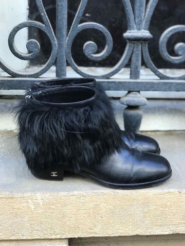 Boots Chanel fourrure T.37,5