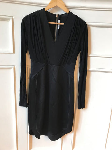 Robe Givenchy noire T.38