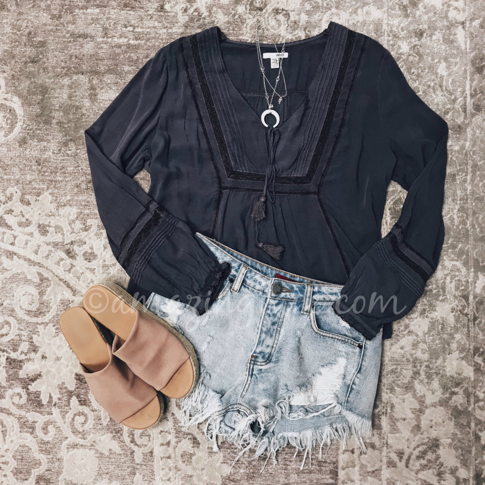 AMUSE SOCIETY WOVEN TOP AND DENIM SHORTS OUTFIT