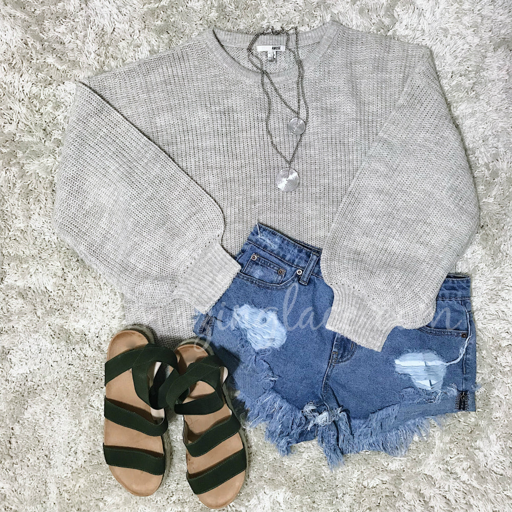 HEATHER OATMEAL SWEATER AND SHORTS OUTFIT