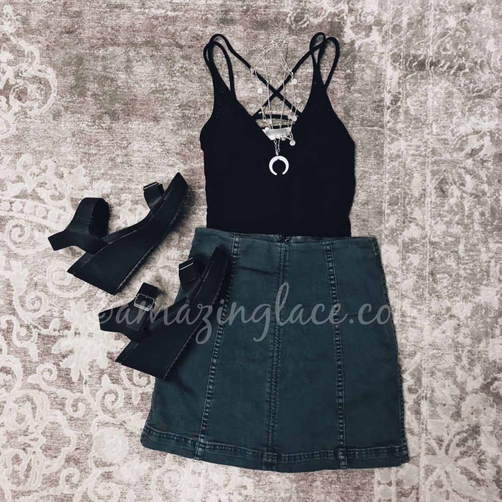 BLACK STRAPPY BODYSUIT AND DENIM SKIRT OUTFIT