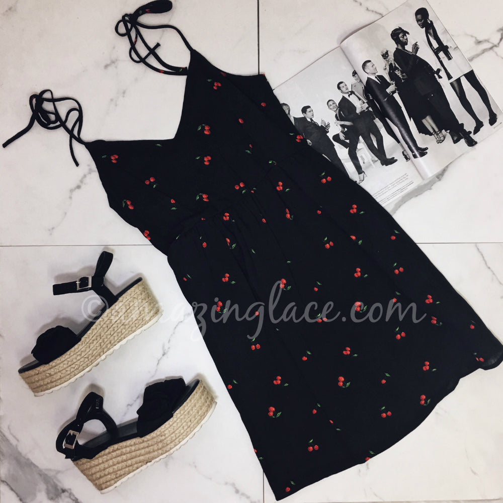 BLACK CHERRY DRESS AND ESPADRILLES OUTFIT