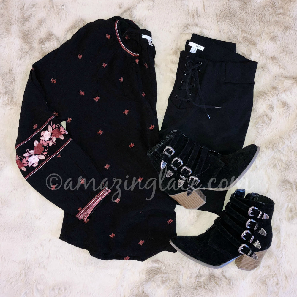 AMUSE SOCIETY TOP & PANTS AND BLACK BOOTIES OUTFIT