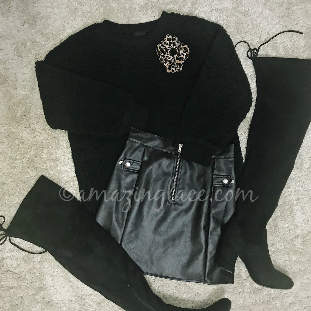 BLACK SWEATER AND VEGAN LEATHER SKIRT OUTFIT