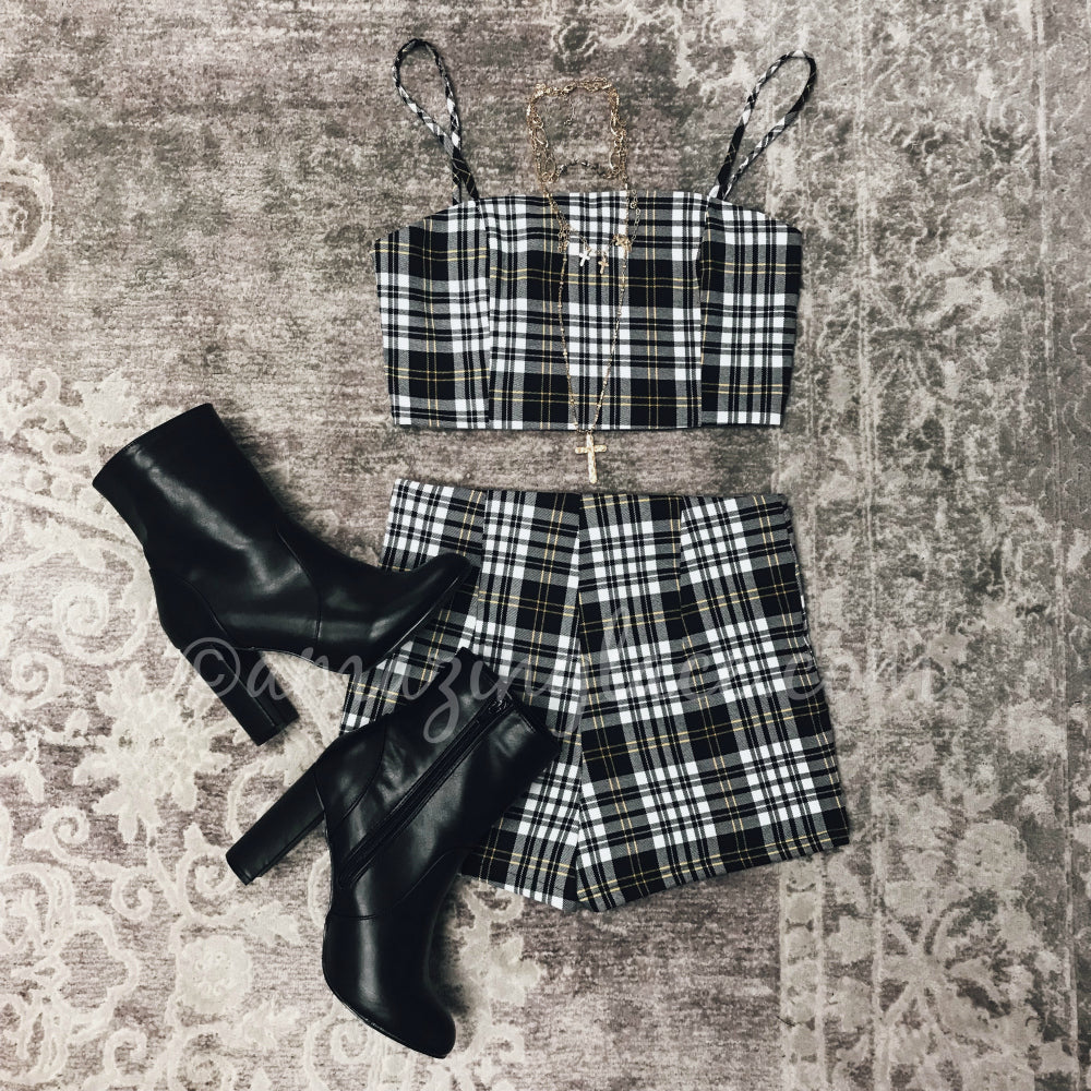 PLAID TWO PIECE SET AND BLACK BOOTS OUTFIT