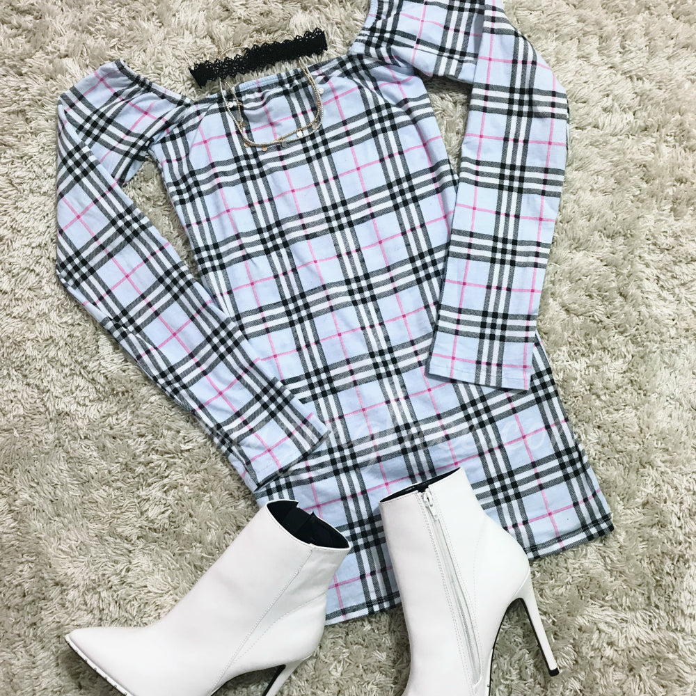 BLUE PLAID DRESS AND WHITE BOOTIES OUTFIT