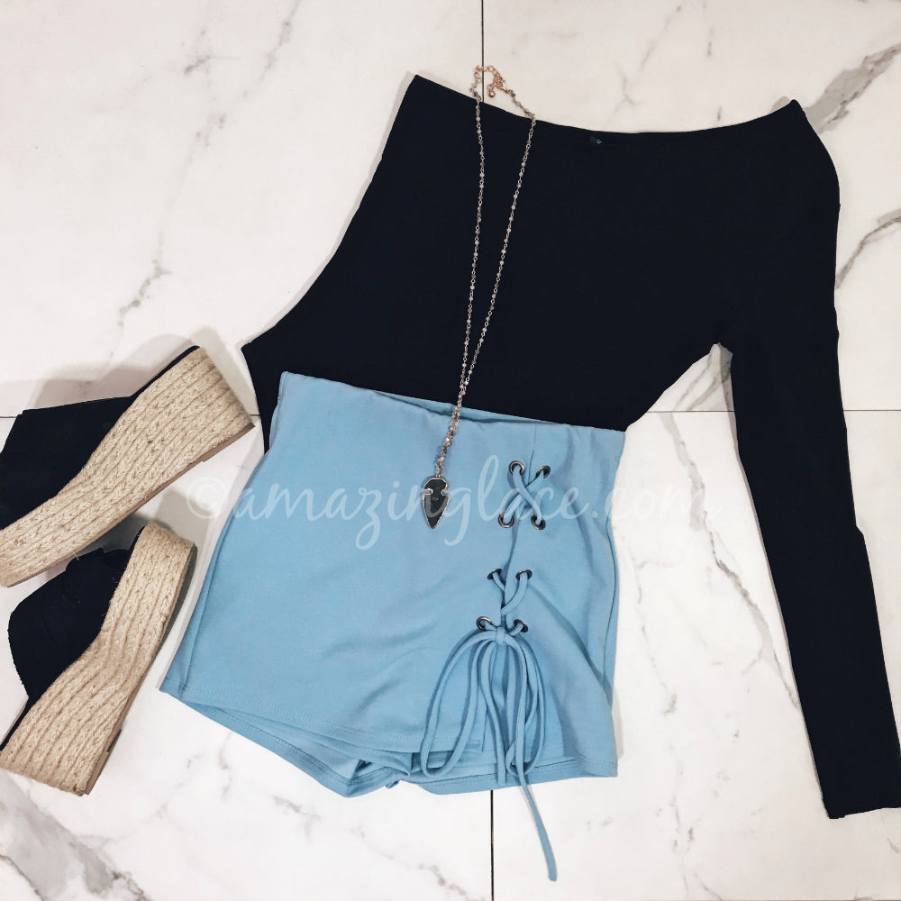 ONE SHOULDER BODYSUIT AND BLUE SKORT OUTFIT