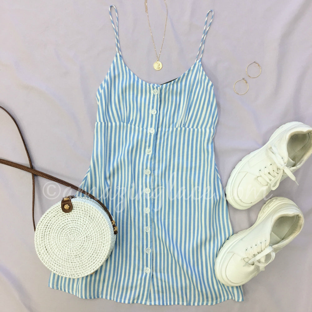 MOTEL STRIPED BLUE DRESS AND PLATFORM SNEAKS OUTFIT