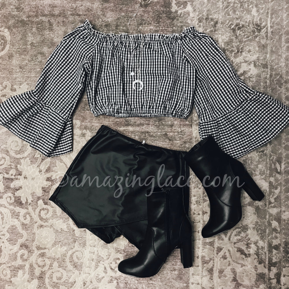 GINGHAM CROP TOP AND BLACK SKORT OUTFIT