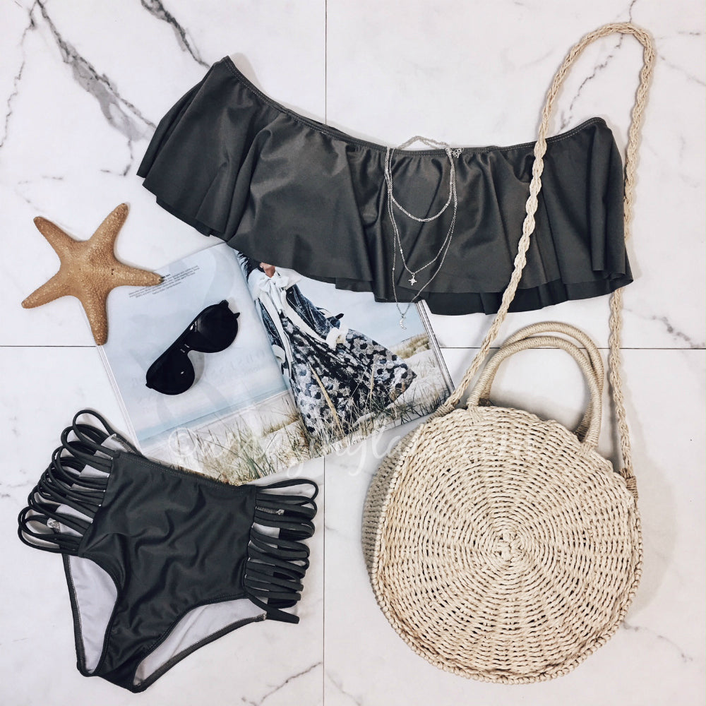 GRAY BIKINI AND BEACH BAG OUTFIT