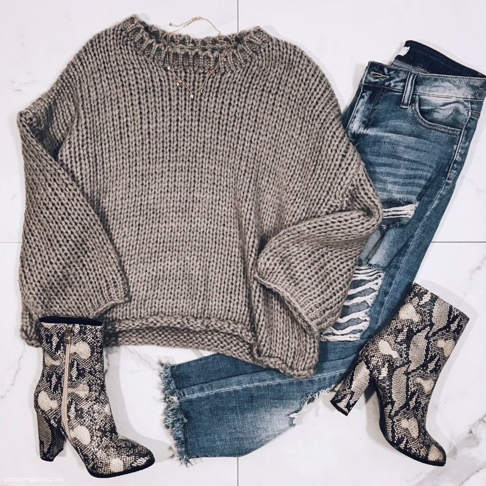 CHUNKY SWEATER AND JEANS WITH SNAKE SKIN BOOTIES OUTFIT