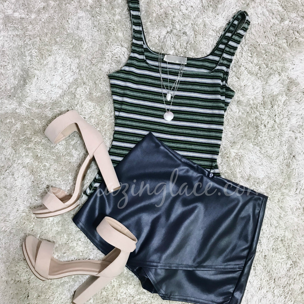 STRIPED BODYSUIT AND NAVY SKORT OUTFIT