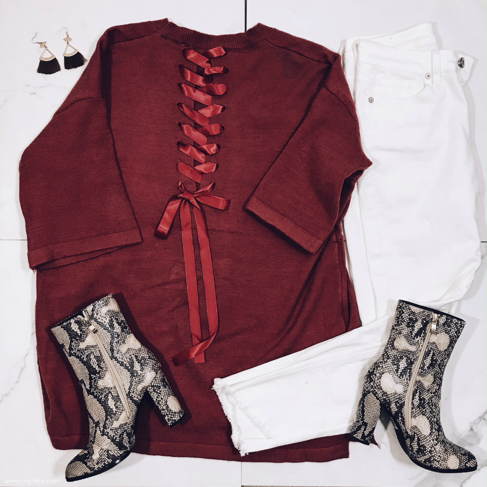 LACE UP BACK TOP AND WHITE JEANS OUTFIT