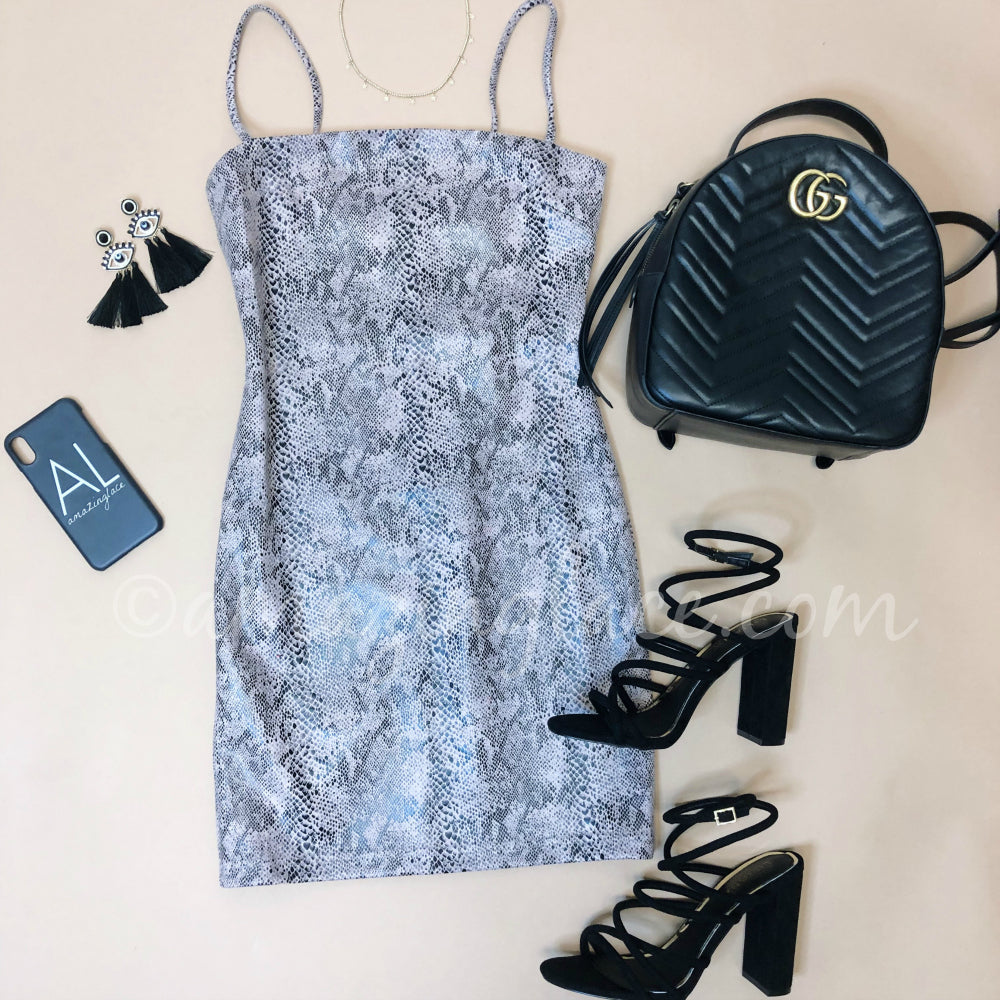 LAVENDER SNAKE MINI DRESS AND BLACK HEELS OUTFIT