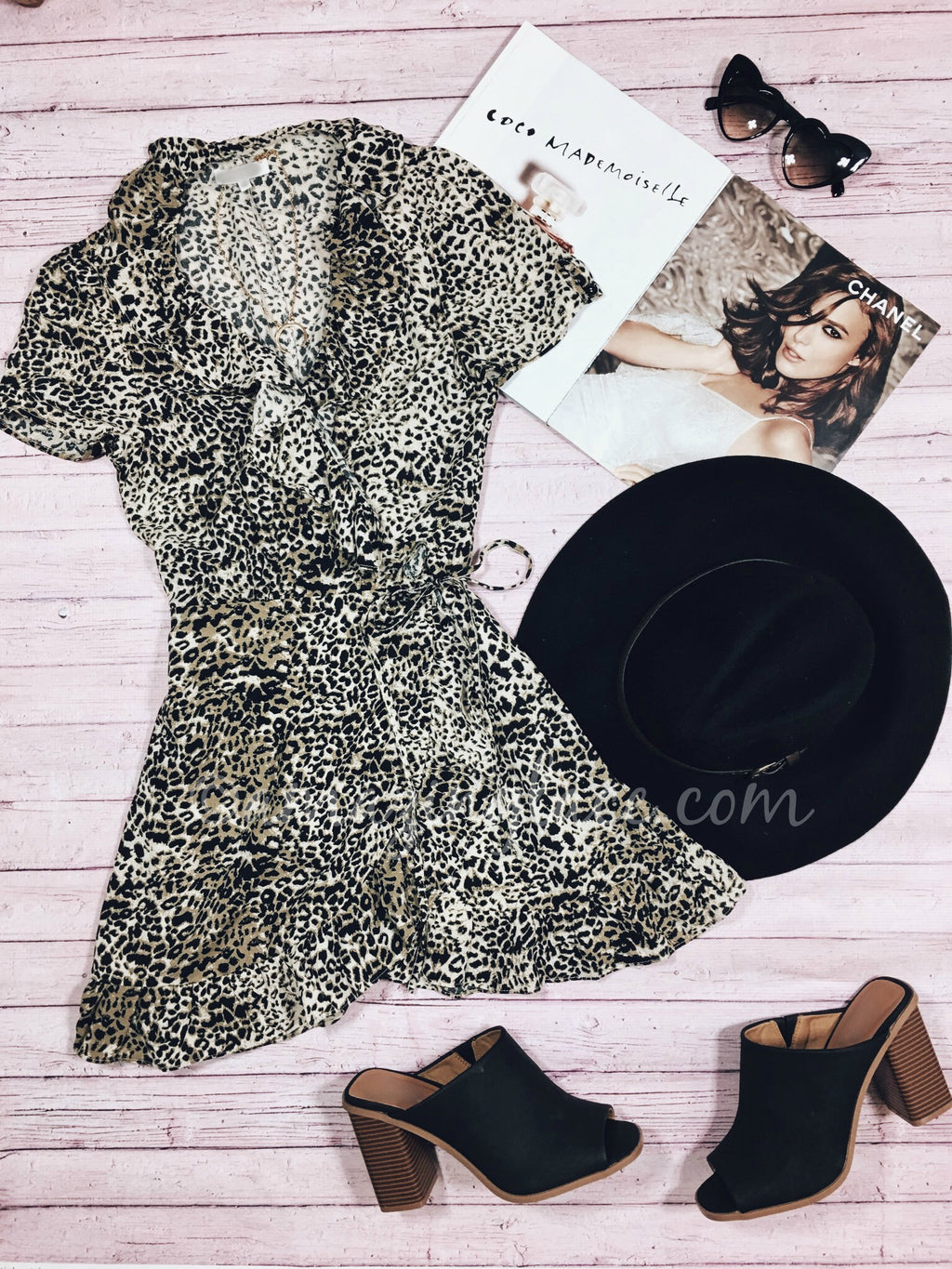 LEOPARD DRESS AND BLACK MULES OUTFIT