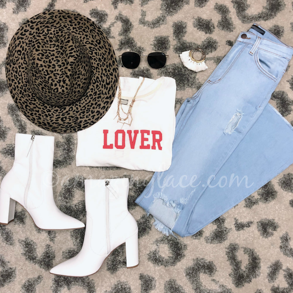 LOVER GRAPHIC TEE WITH FLARE DENIM OUTFIT