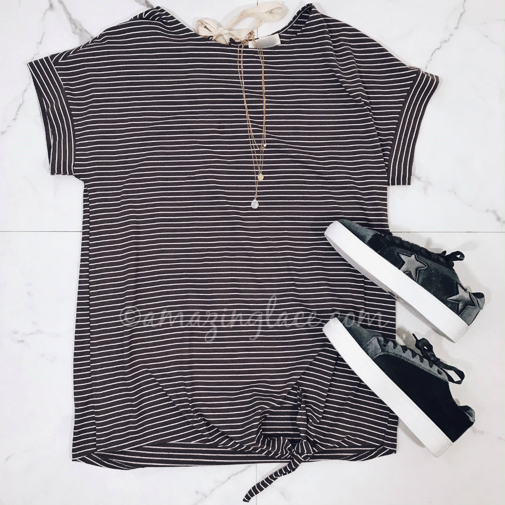 STRIPED JERSEY DRESS AND STAR SNEAKERS OUTFIT