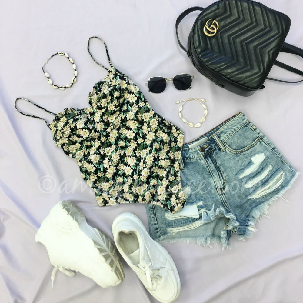 MOTEL FLORAL BODYSUIT AND DENIM SHORTS OUTFIT