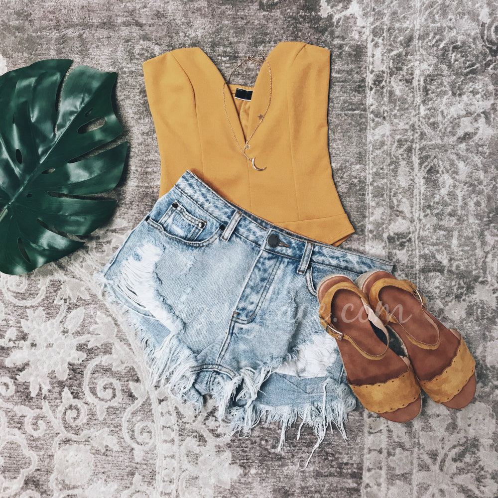 MUSTARD BODYSUIT AND DENIM SHORTS OUTFIT