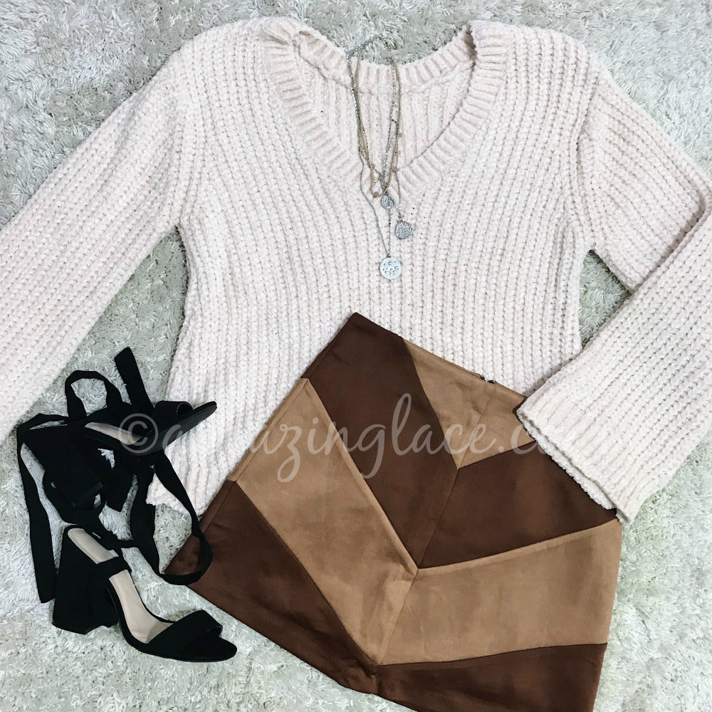 CREAM CHENILLE SWEATER AND CHEVRON SKIRT OUTFIT