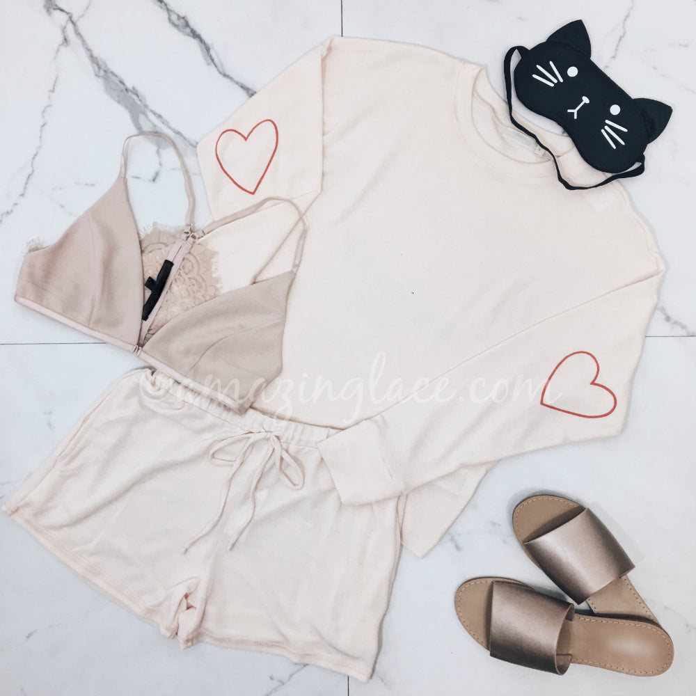 HEART TOP AND PEACH SHORTS OUTFIT