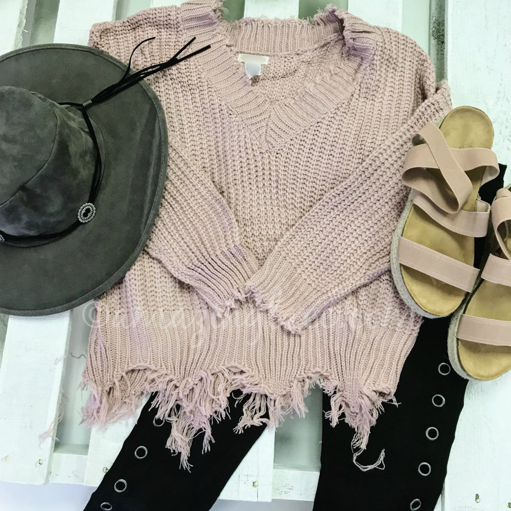 MAUVE FRAYED SWEATER AND GROMMET JEANS OUTFIT