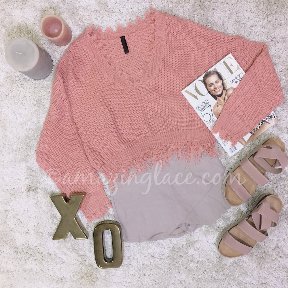 PINK FRAYED SWEATER AND TAUPE SKORT OUTFIT