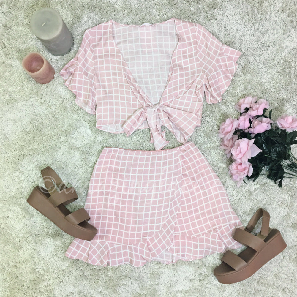 PINK SET AND TAN PLATFORMS OUTFIT