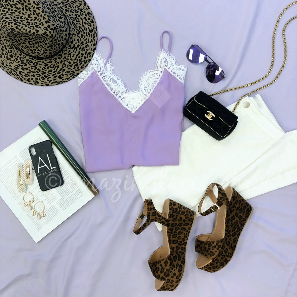 LAVENDER LACE TOP AND LEOPARD PLATFORM SANDALS OUTFIT