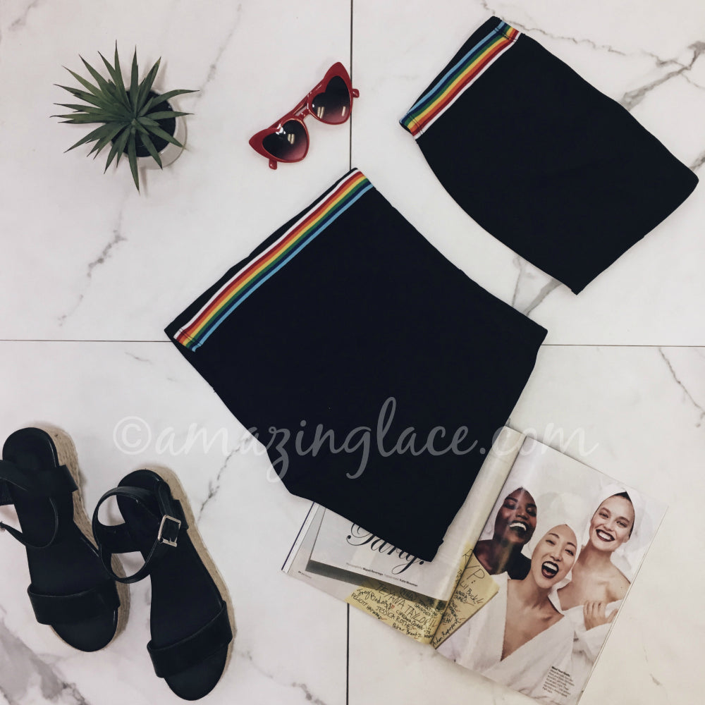 BLACK STRIPED SET AND ESPADRILLES OUTFIT