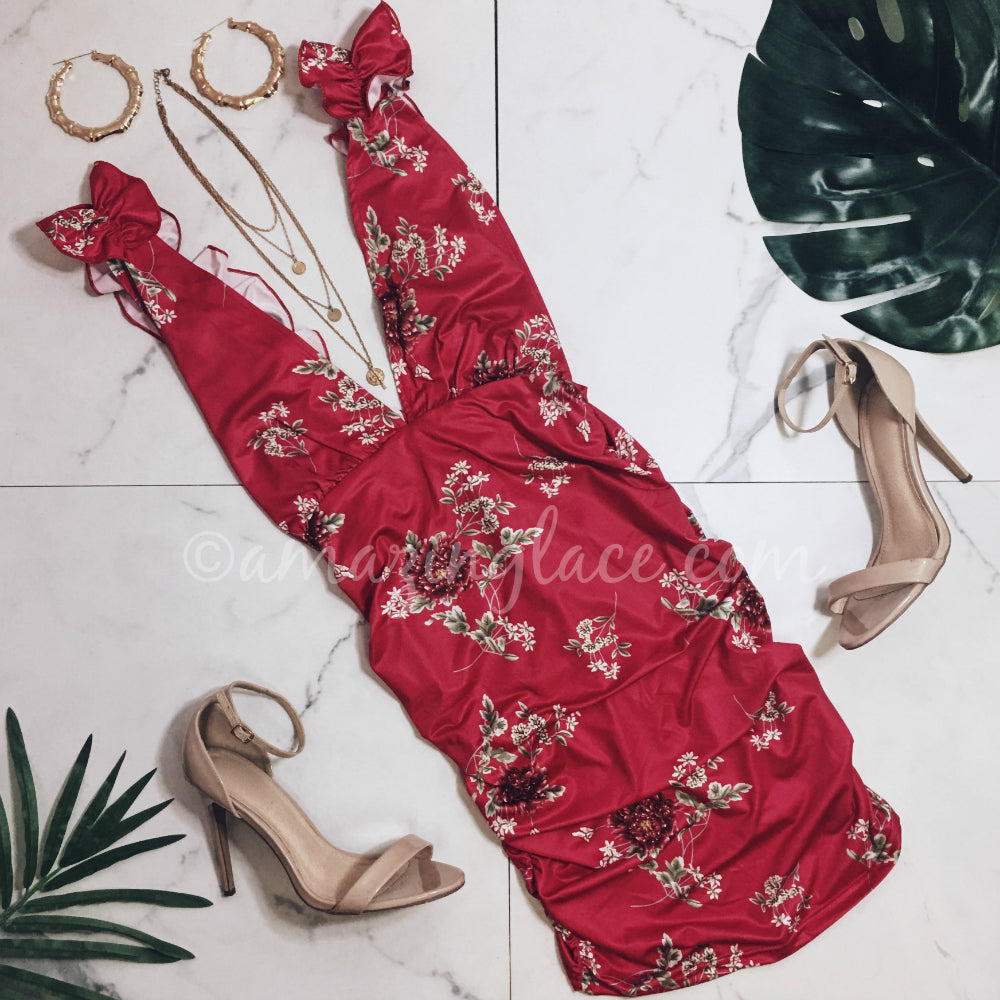 RED FLORAL DRESS AND HEELS OUTFIT