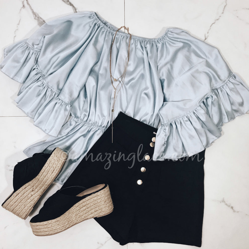 BELL SLEEVE TOP AND SHORTS OUTFIT