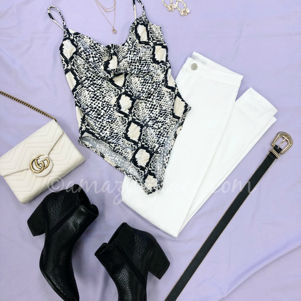 SNAKE BODYSUIT AND WHITE JEANS OUTFIT