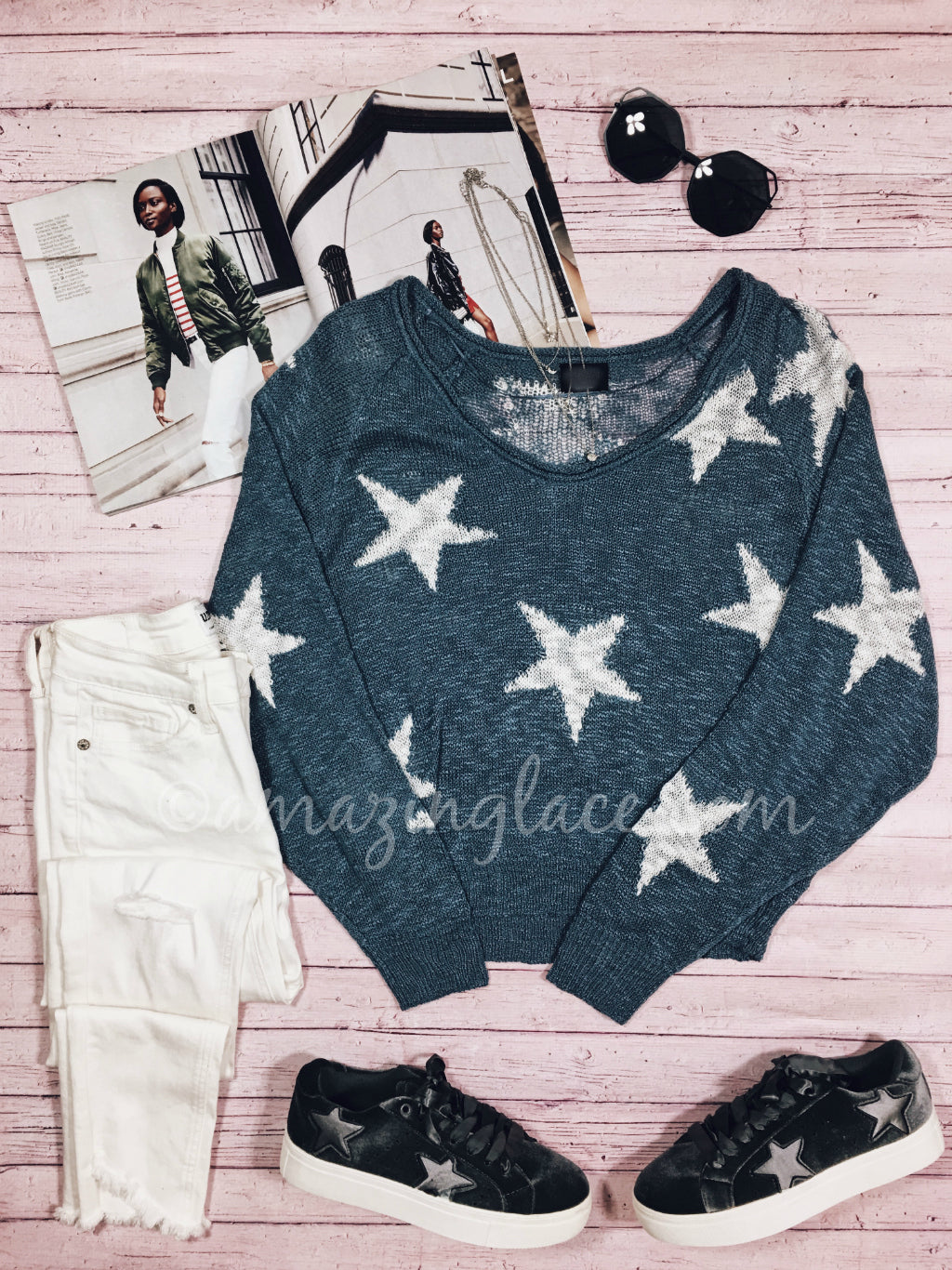 STAR SWEATER AND STAR SNEAKERS OUTFIT