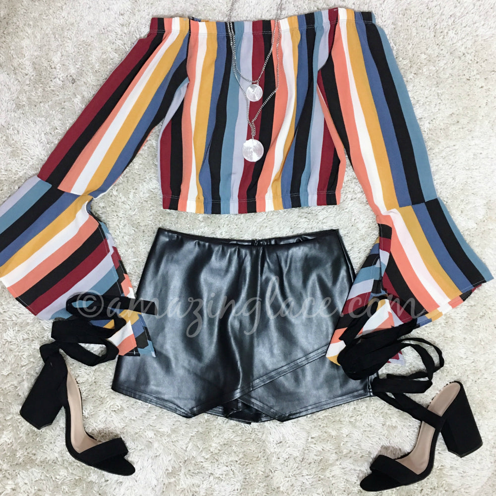 STRIPED FLARE SLEEVE TOP AND BLACK SKORT OUTFIT