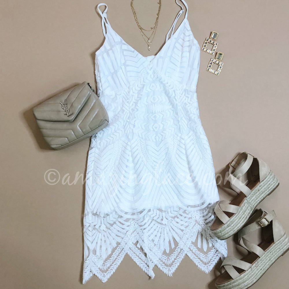 WHITE LACE DRESS AND ESPADRILLES OUTFIT