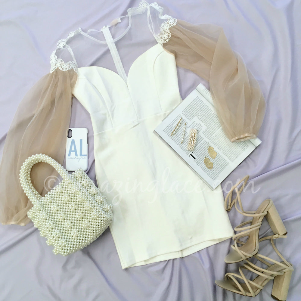 WHITE PUFF SLEEVE DRESS AND PEARL PURSE OUTFIT