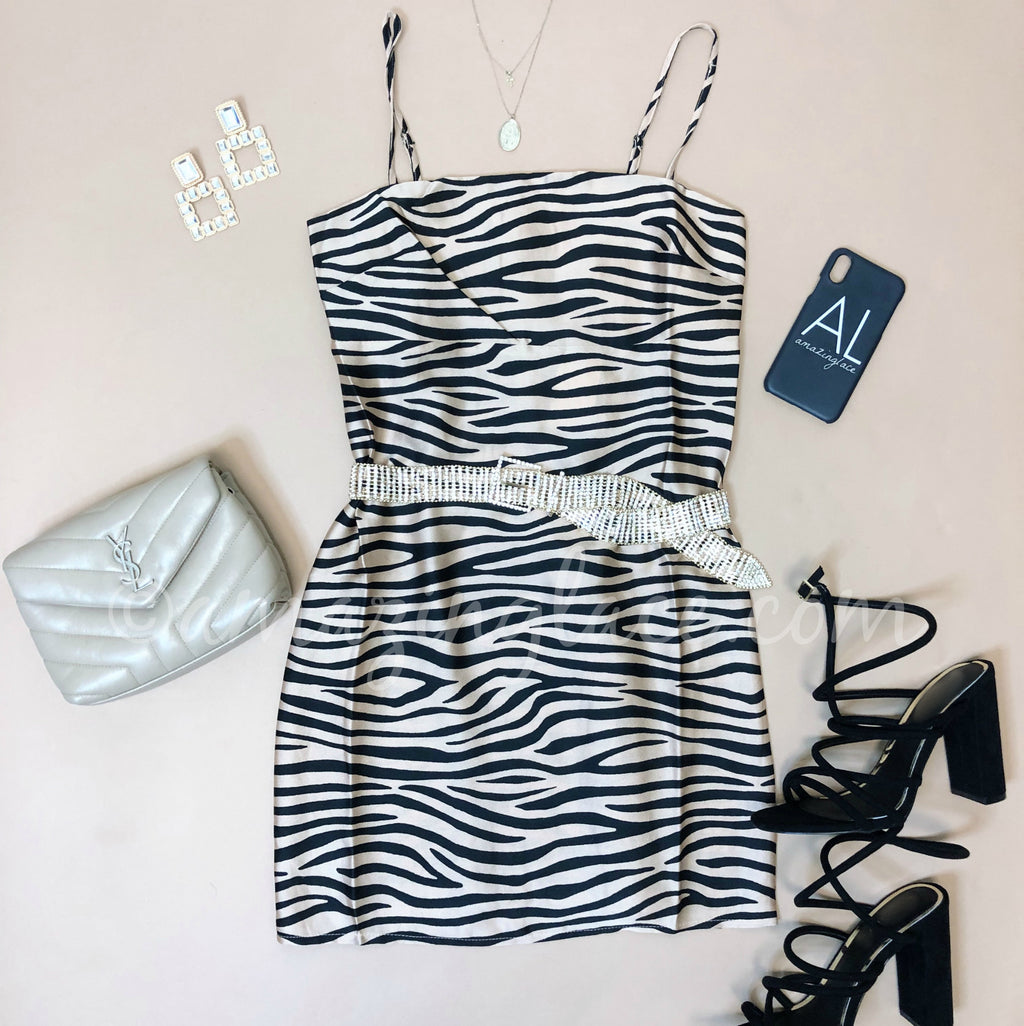 ZEBRA DRESS AND BLACK HEELS OUTFIT