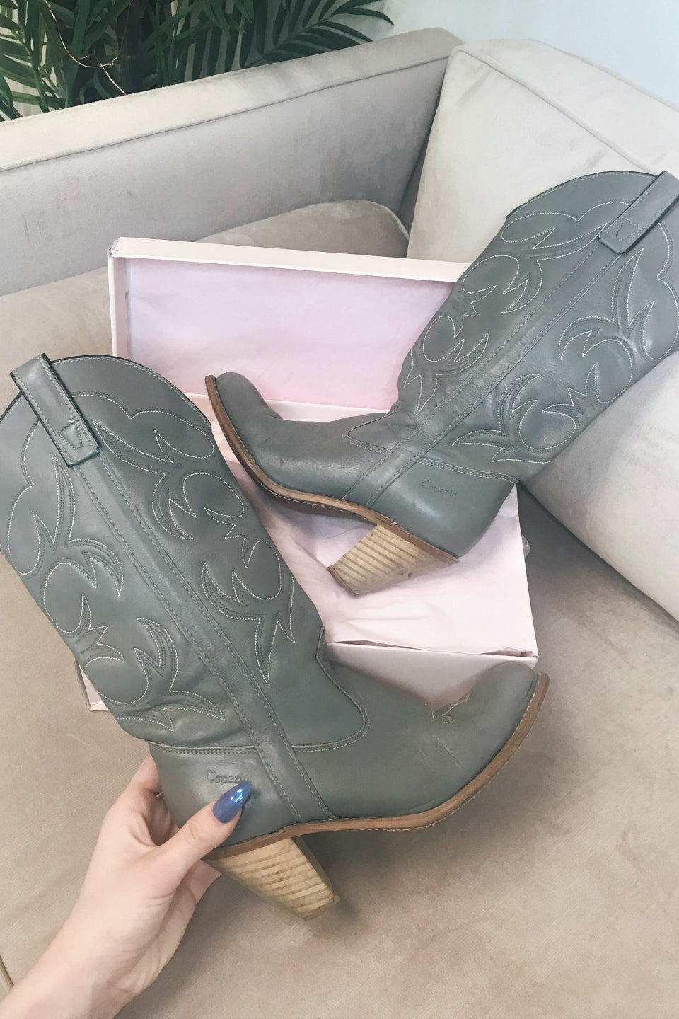 VINTAGE Grey Leather Cowboy Boot