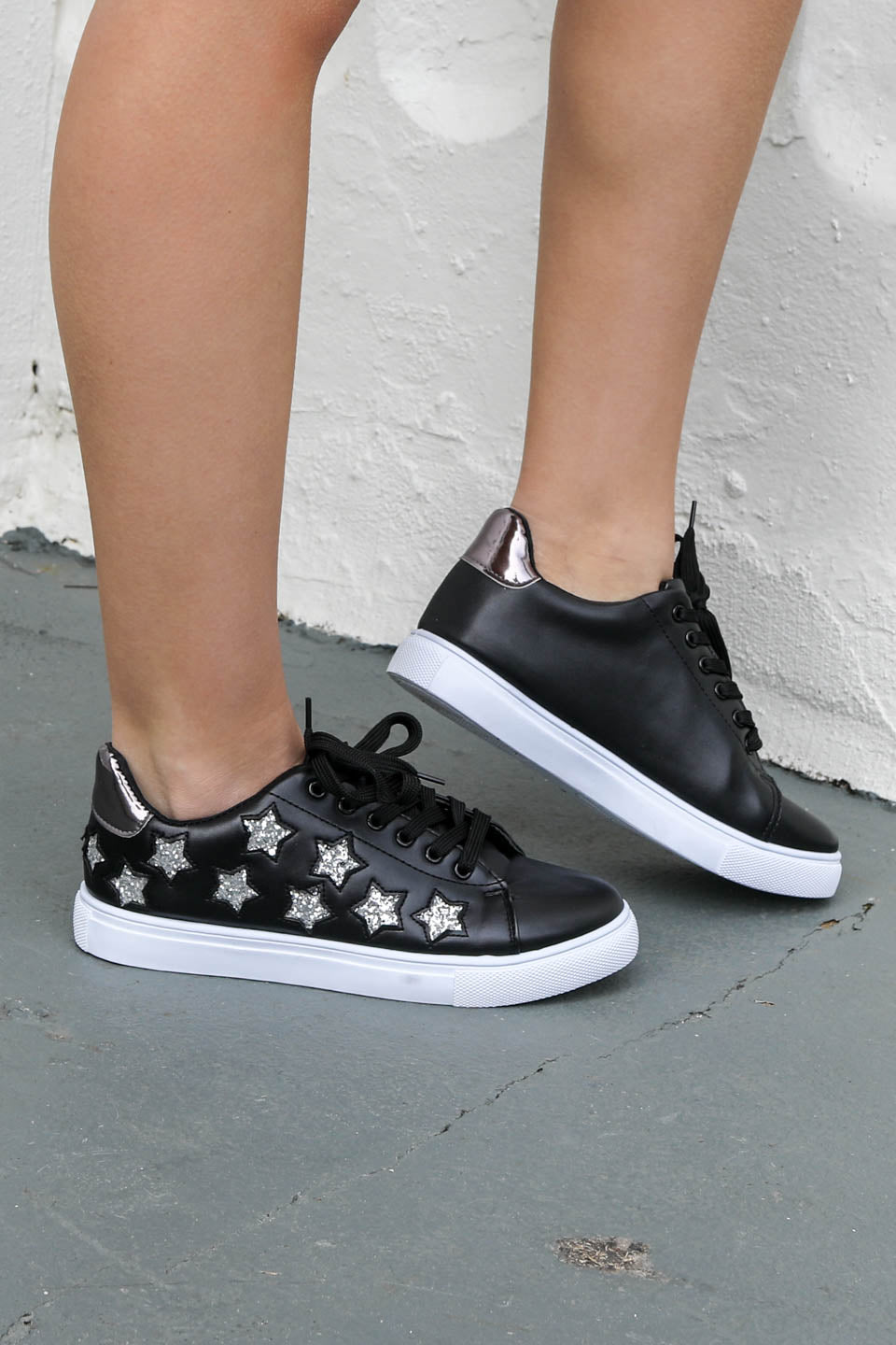 SZ 6 Go Go Black Sneaker With Silver Stars