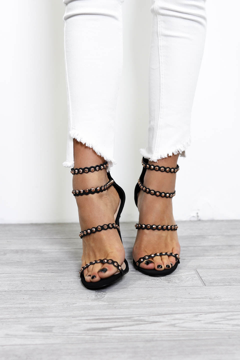 SZ 7 Special Places Black Studded Strappy Heels