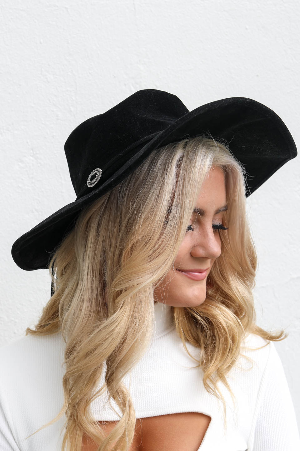 No Stranger Black Hat with Silver Small Buckles