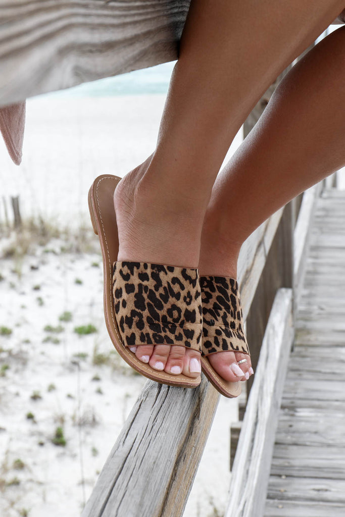 SZ 8.5 Addicted To Me Leopard Slides