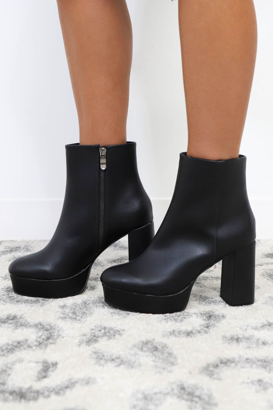 CHINESE LAUNDRY Nenna Chunky Faux Leather Platform Bootie