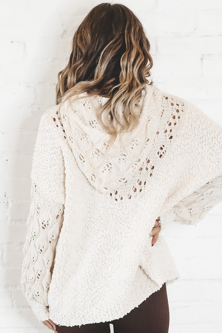 Sweet Cream Knitted Pullover