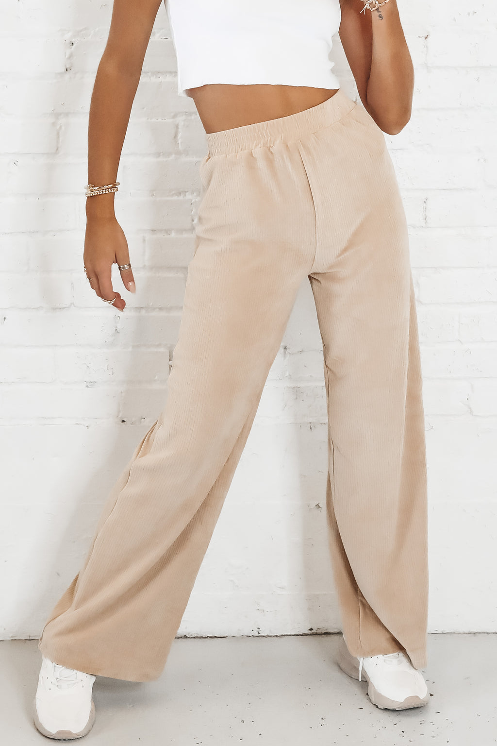 MOTEL Obeli Trouser In Velvet Rib Tan