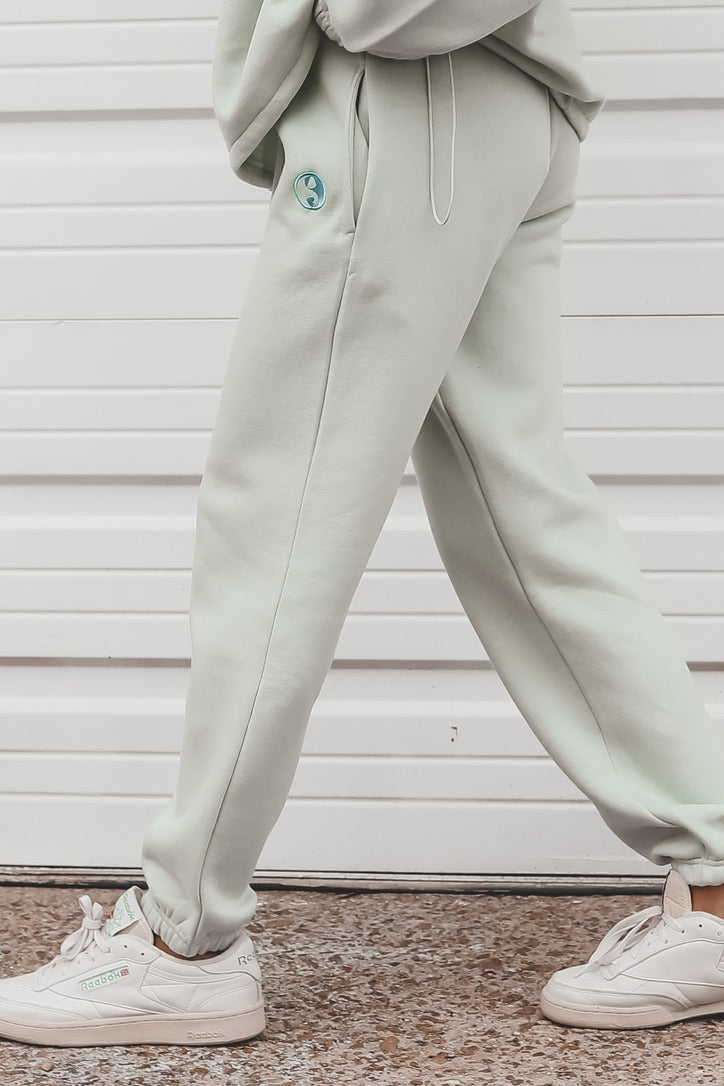 DAISY STREET Mint Heart Ying Yang Embroidered Oversized Joggers