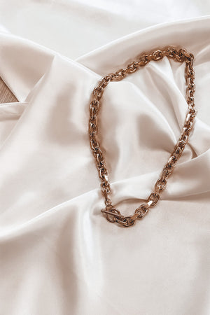 SAHIRA 18k Alexis Toggle Chain Necklace
