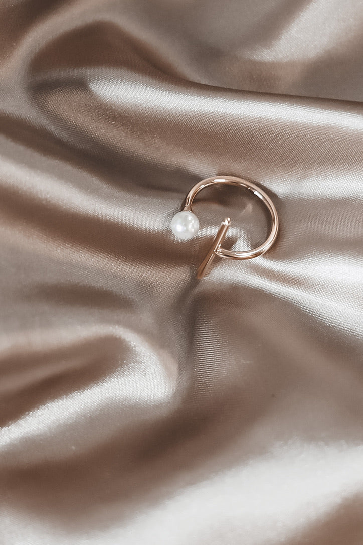 SAHIRA Single Pearl Gold Ring